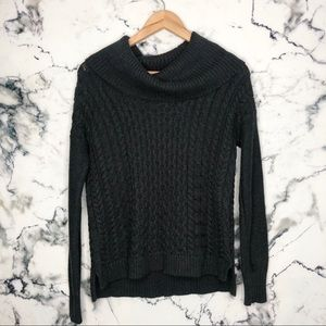🧡3/$25🧡 American Eagle Cowl Neck Knit Sweater